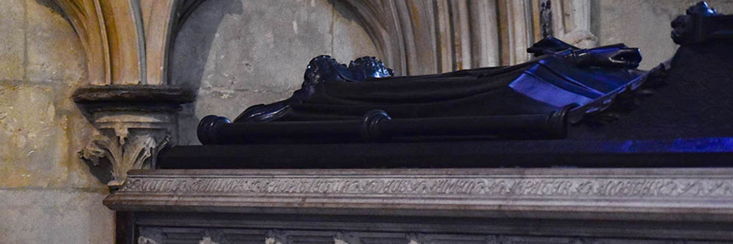 Eleanor of Castile tomb Lincoln Cathedral