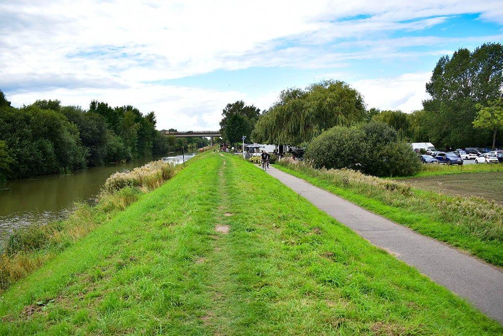 Fossdyke Canal path near A46 Lincoln