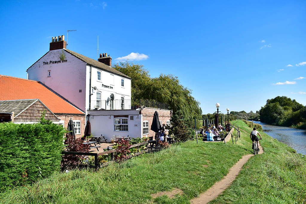The Pyewipe Inn Fossdyke Canal