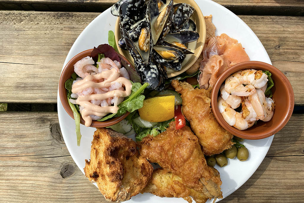 Kings Head Tealby seafood platter aerial view