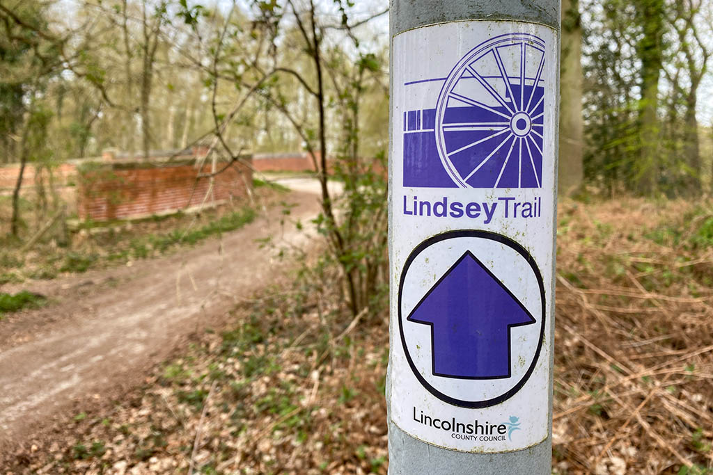 Lindsey Trail sign