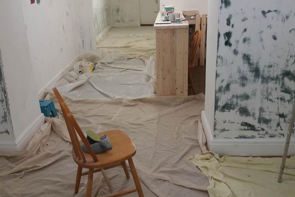 Tiny Tavern interior before refurbishment