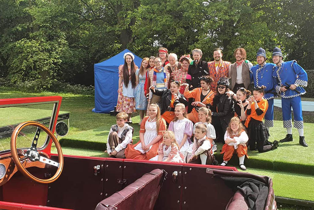 Wind in the Willows cast outdoors