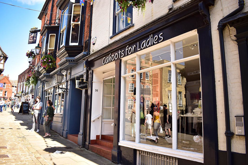 Cahoots For Ladies Lincoln